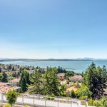 NEW LISTING IN WHITE ROCK!